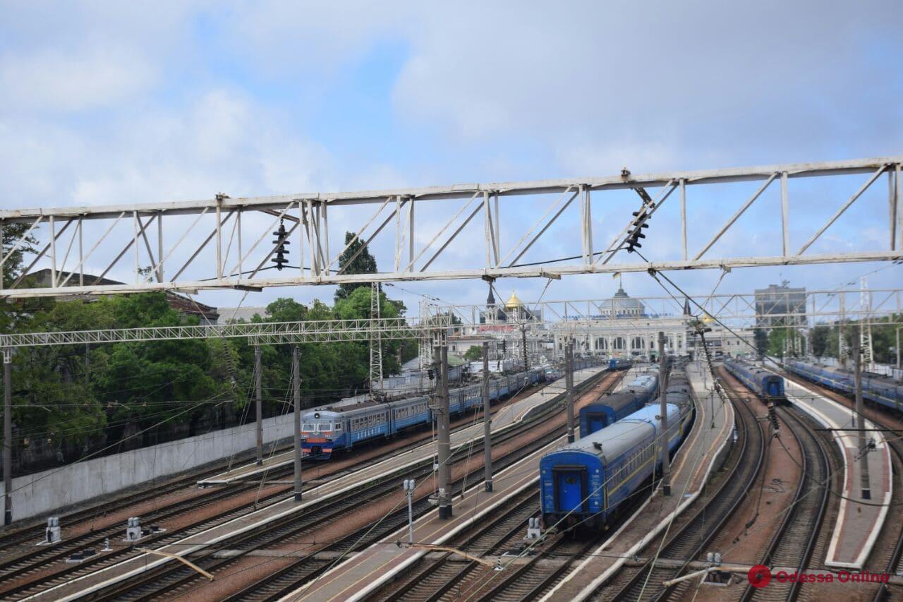 Одесская железная дорога возобновляет работу электричек