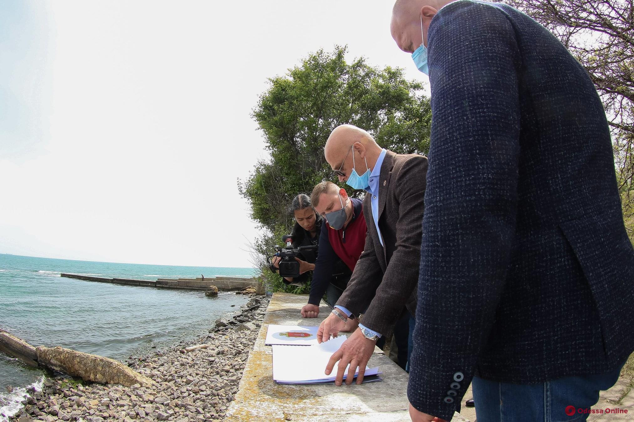 Мэр Одессы проверил подготовку пляжей к курортному сезону (фото)