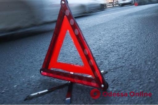 На Ленпоселке столкнулись легковушка и мопед – один из водителей скрылся