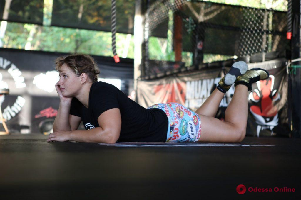 СпортКарантин: одесский профессиональный боец ММА Елена «Пушка» Колесник