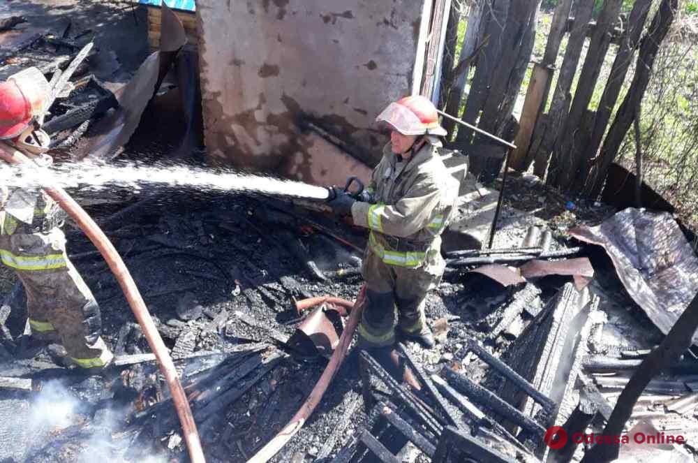 В Одесской области горела пристройка к частному дому