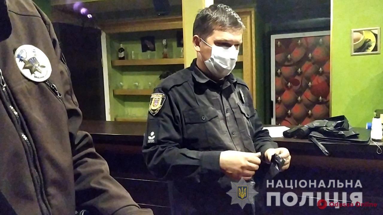 На Таирова полицейские «накрыли» два нелегальных игорных клуба