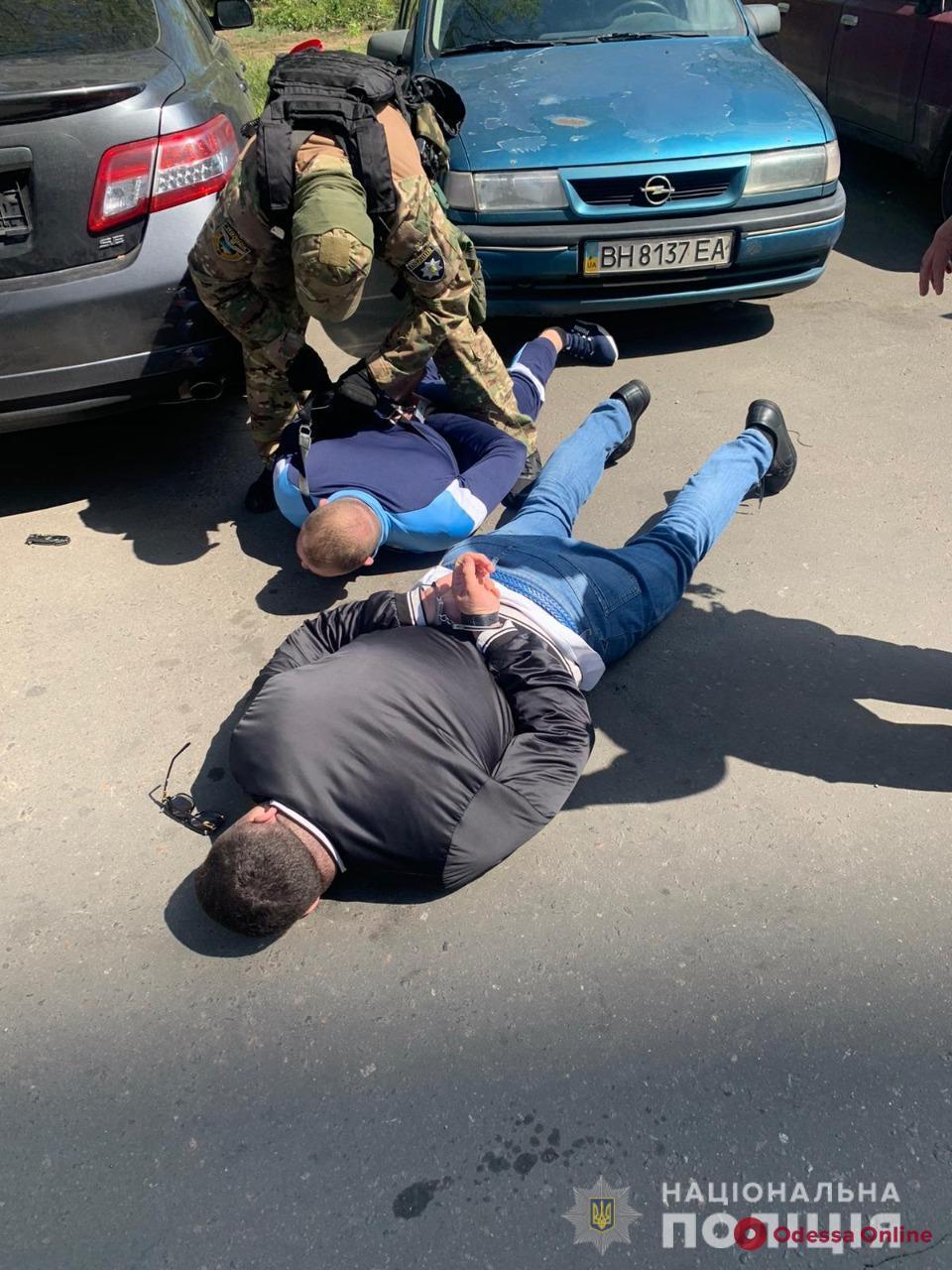 Похитили и требовали 400 тысяч долларов: в Одессе задержали группу вымогателей
