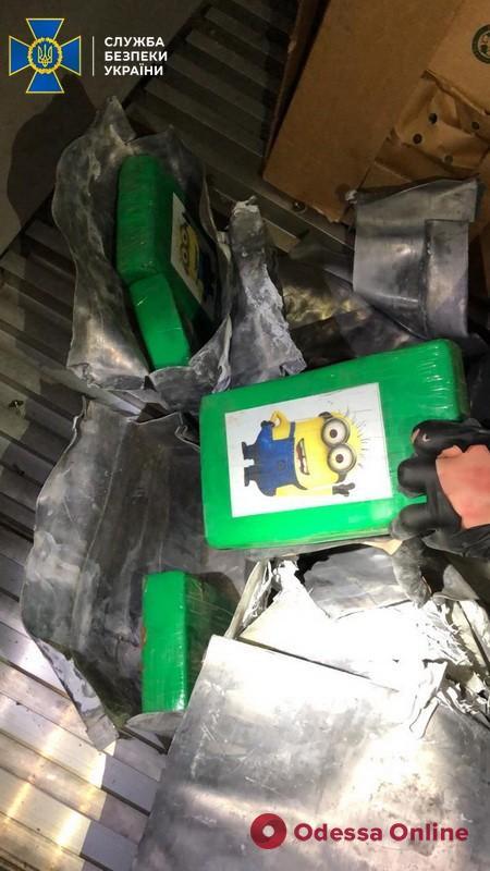 В порту «Южный» СБУ нашла в контейнере с бананами партию кокаина на 200 миллионов (фото)