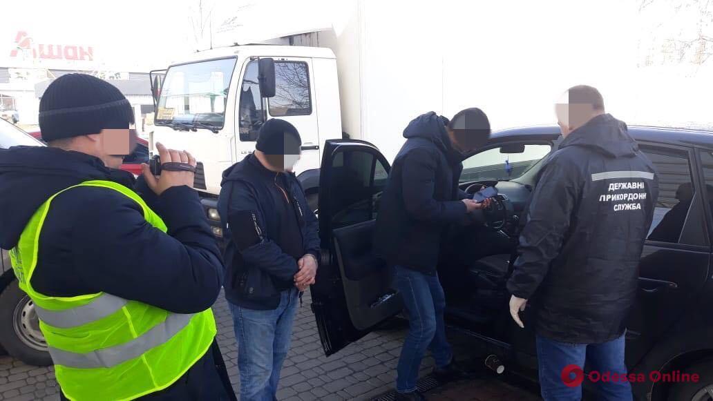 В Одесской области задержали организаторов незаконной переправки иностранцев через границу