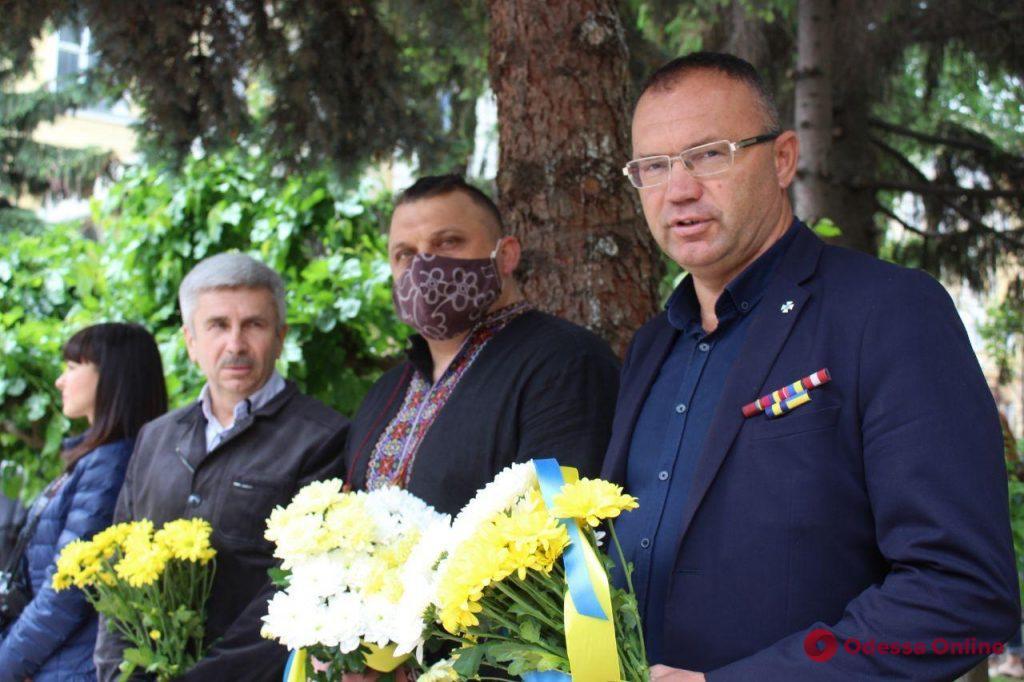 Одесса: во дворе штаба оперативного командования «Юг» открыли памятник погибшим бойцам АТО (фото)