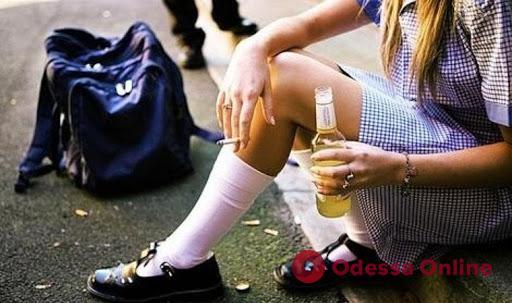 В больницу Черноморска попала семиклассница в алкогольной коме