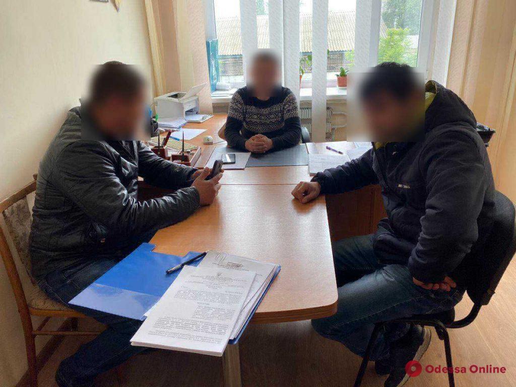 Избили водителя и пассажира авто: двух одесских полицейских подозревают в превышении полномочий