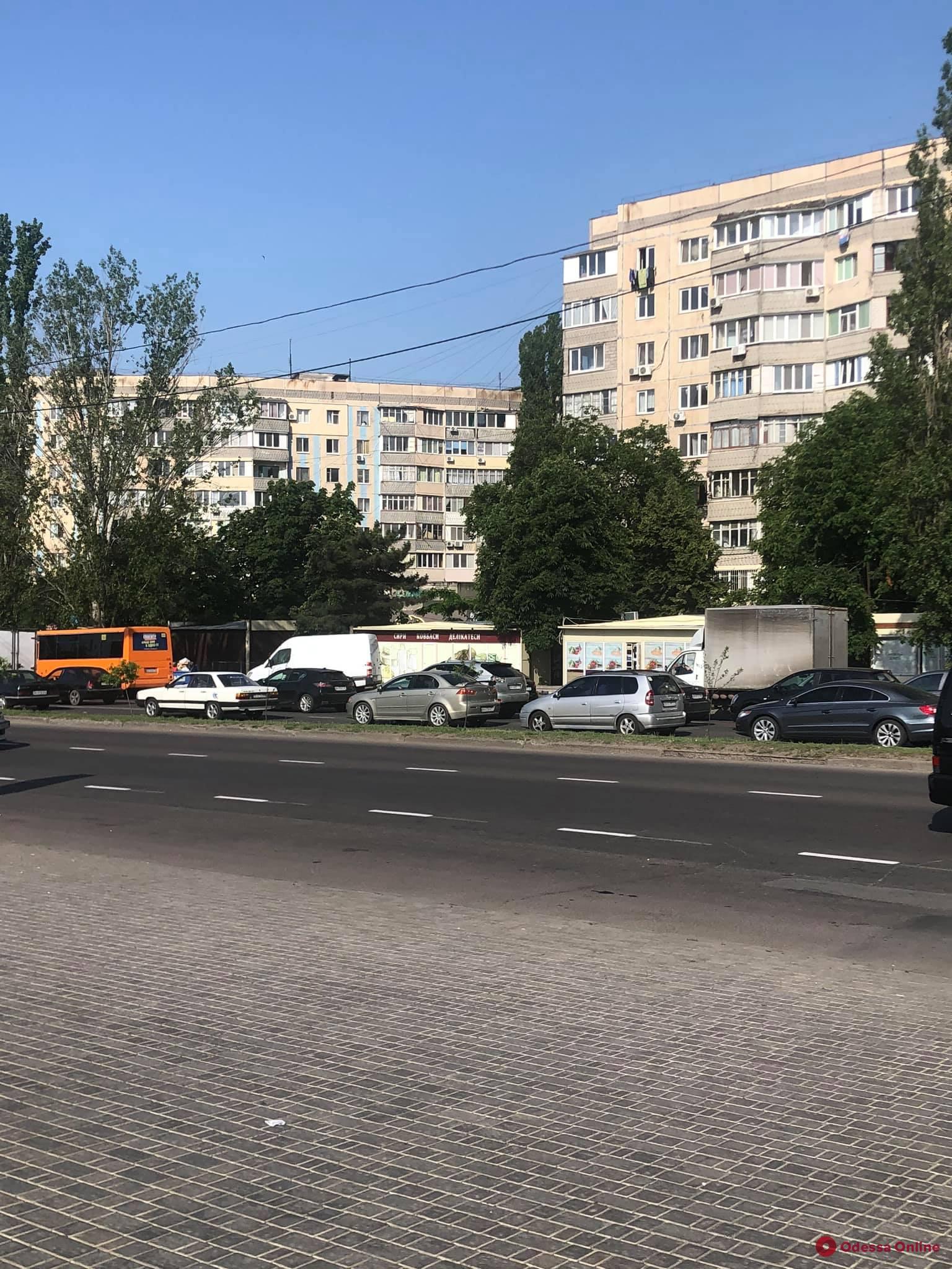 Одесские автомобилисты недовольны, что из-за выделенной полосы им приходится дольше добираться в центр