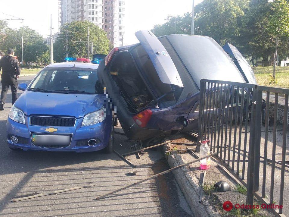 В ДТП на Фонтане пострадала женщина (обновлено)