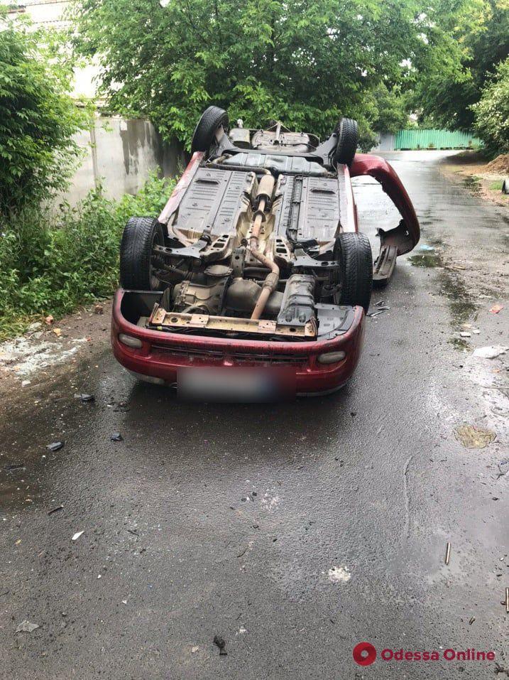 В Одессе перевернулся Daewoo — пострадал пассажир