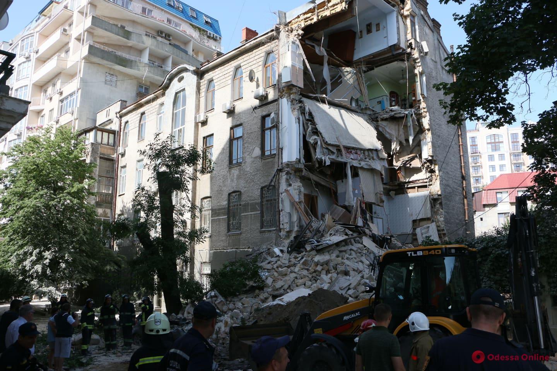 В уцелевшую при обрушении часть дома на Ясной возвращаются жильцы