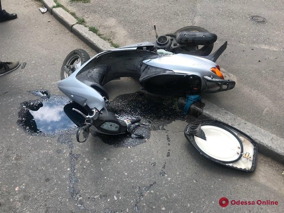 В ДТП на Черемушках пострадал мопедист