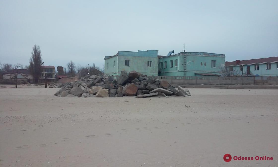 СБУ обнаружила растрату миллиона при проведении берегоукрепительных работ в Затоке