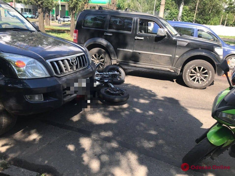 В ДТП на Ицхака Рабина пострадал мотоциклист