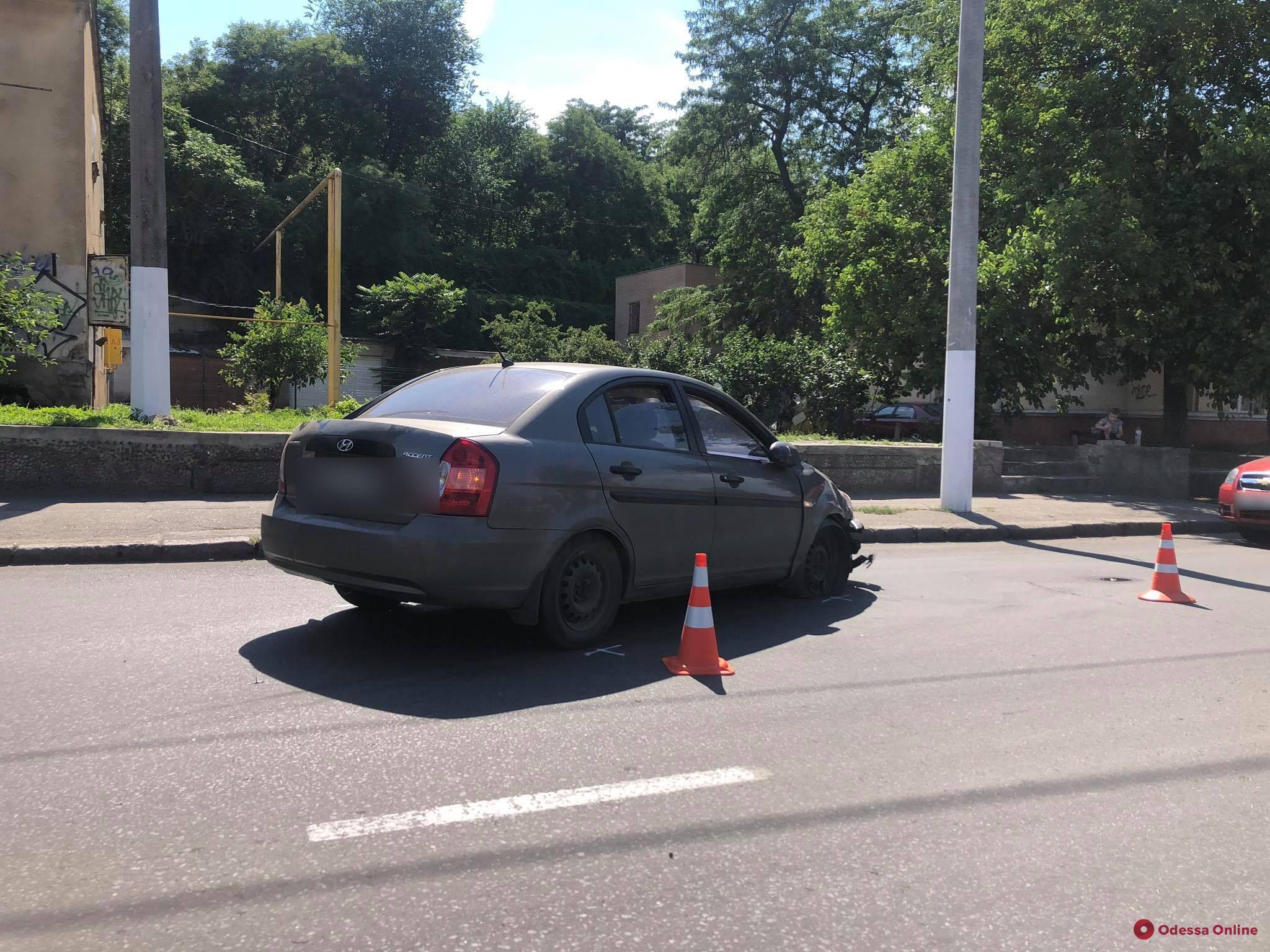 Возле морвокзала столкнулись Chevrolet и Hyundai