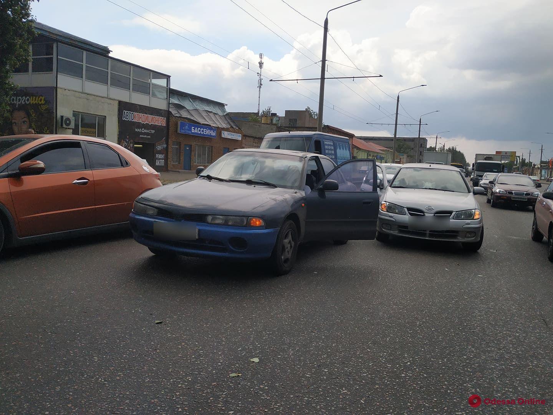 На Николаевской дороге из-за аварии затруднено движение