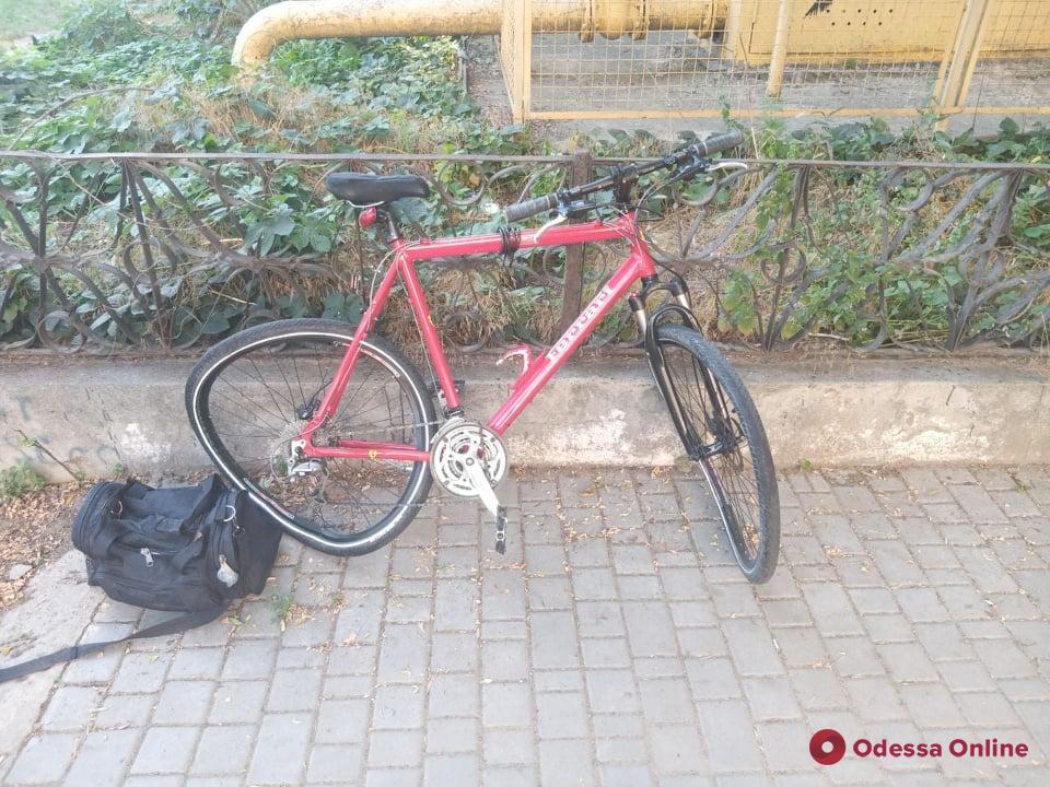 На 8-й станции Фонтана Toyota сбила велосипедиста