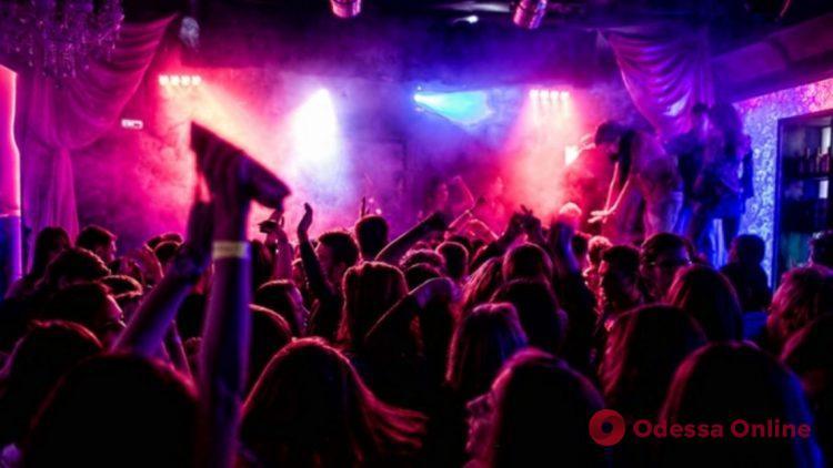 Мэр Одессы о нарушении карантина в ночных клубах: «Мы будем рекомендовать закрыть такие заведения»