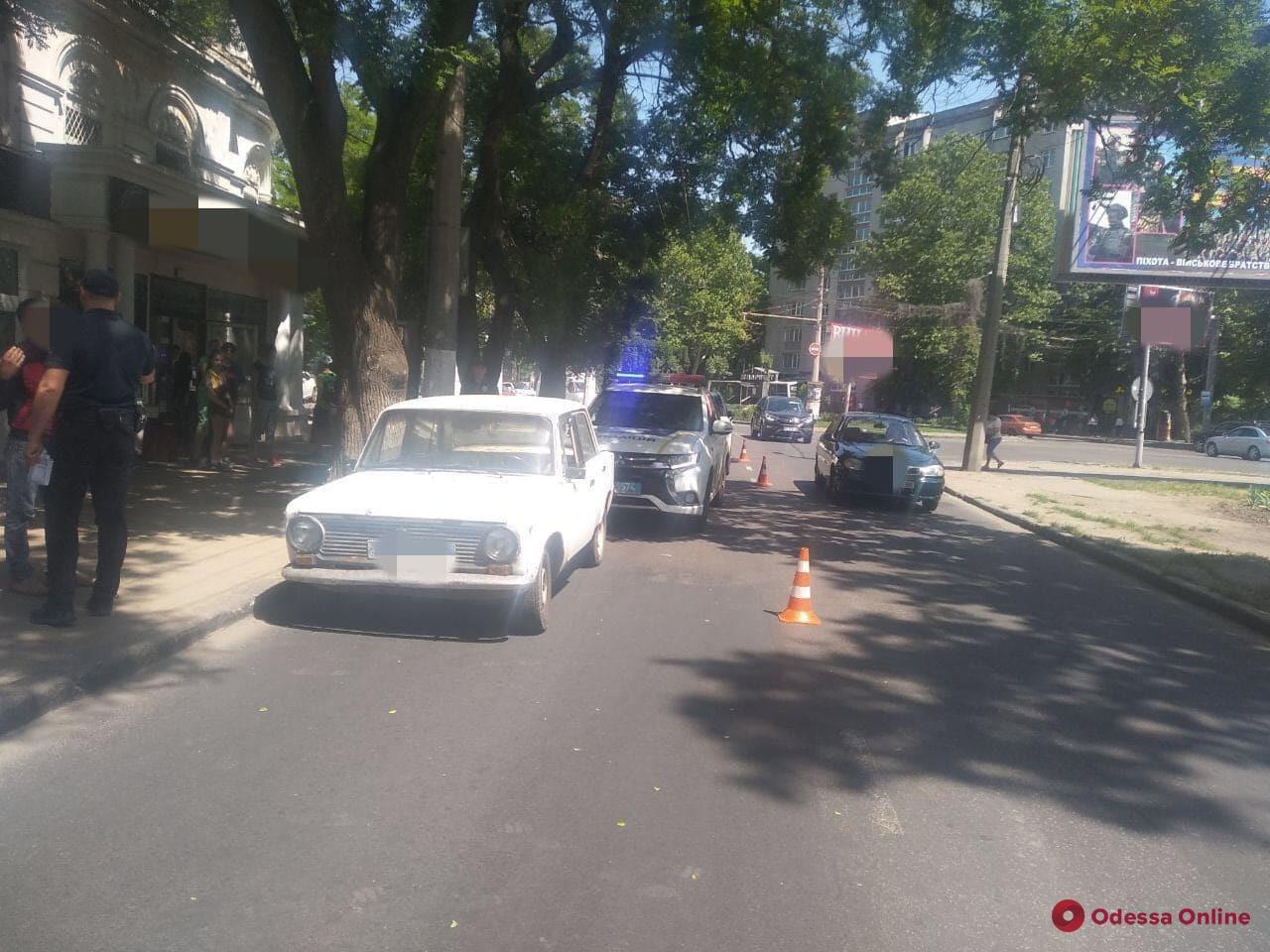 В Одессе автомобиль сбил четырех детей на пешеходном переходе