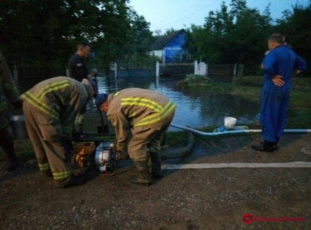 Ливень затопил частные дома в Раздельнянском районе