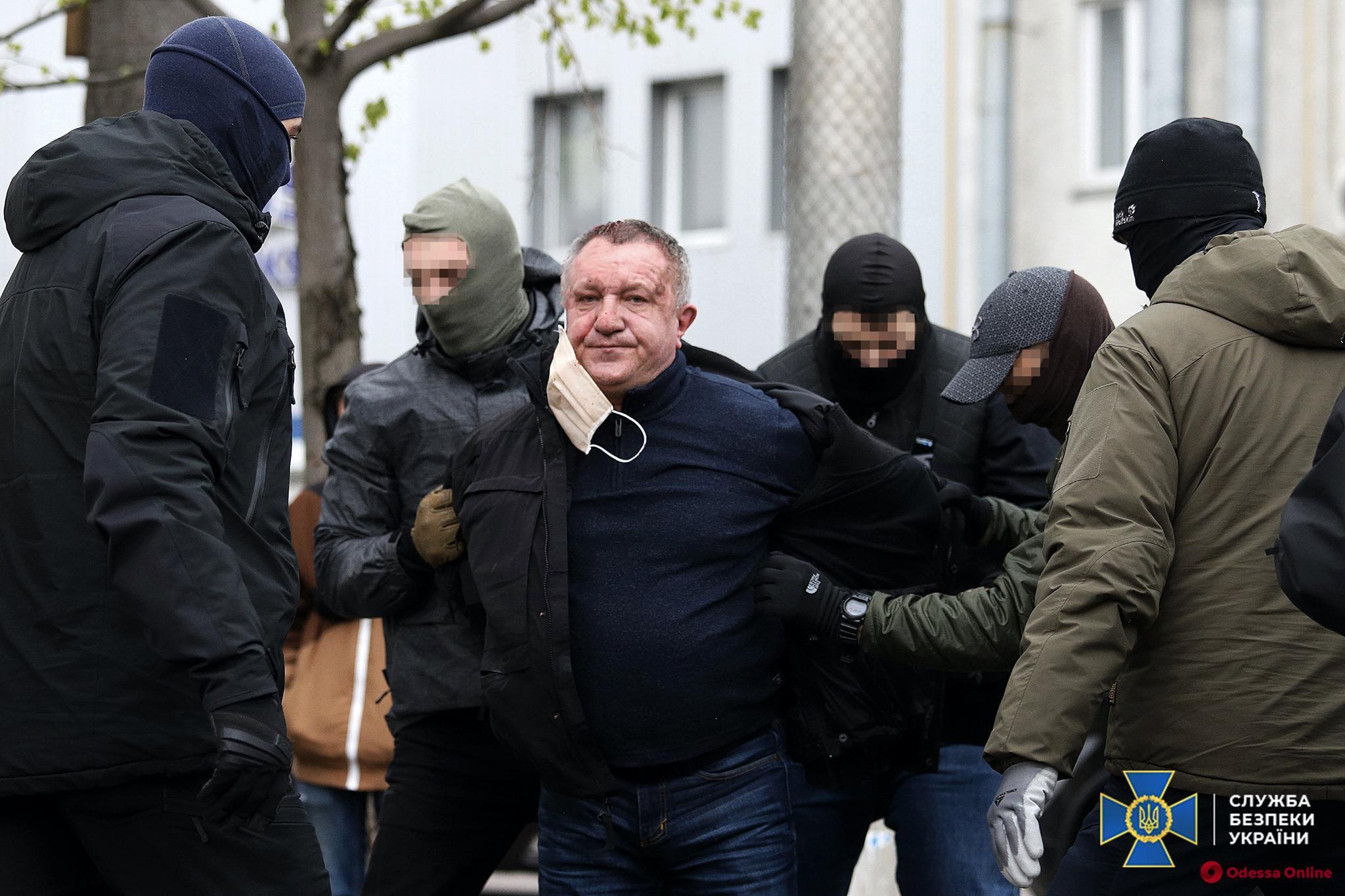 В Киеве суд продлил арест работавшему на ФСБ РФ генерал-майору СБУ