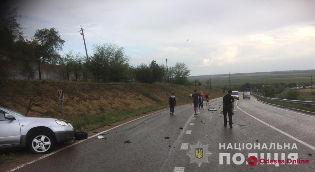 Автомобиль выехал на встречку на трассе Одесса — Рени: пострадала женщина (фото)