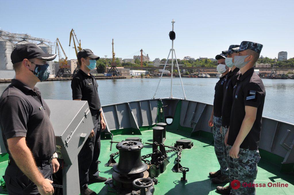 Будущие морские пограничники начали первую стажировку в Одесском отряде морской охраны