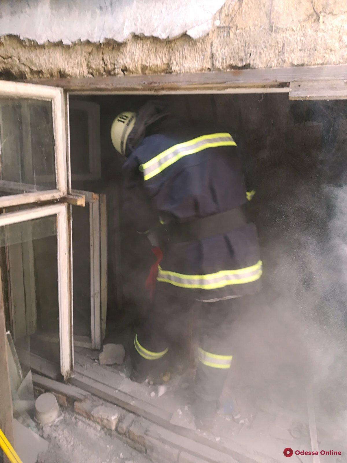 В Белгороде-Днестровском в частном доме рухнул потолок — под завалами нашли тело мужчины