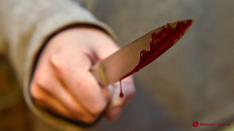 Напали с ножом: в Одессе разыскивают тяжело ранивших мужчину преступников