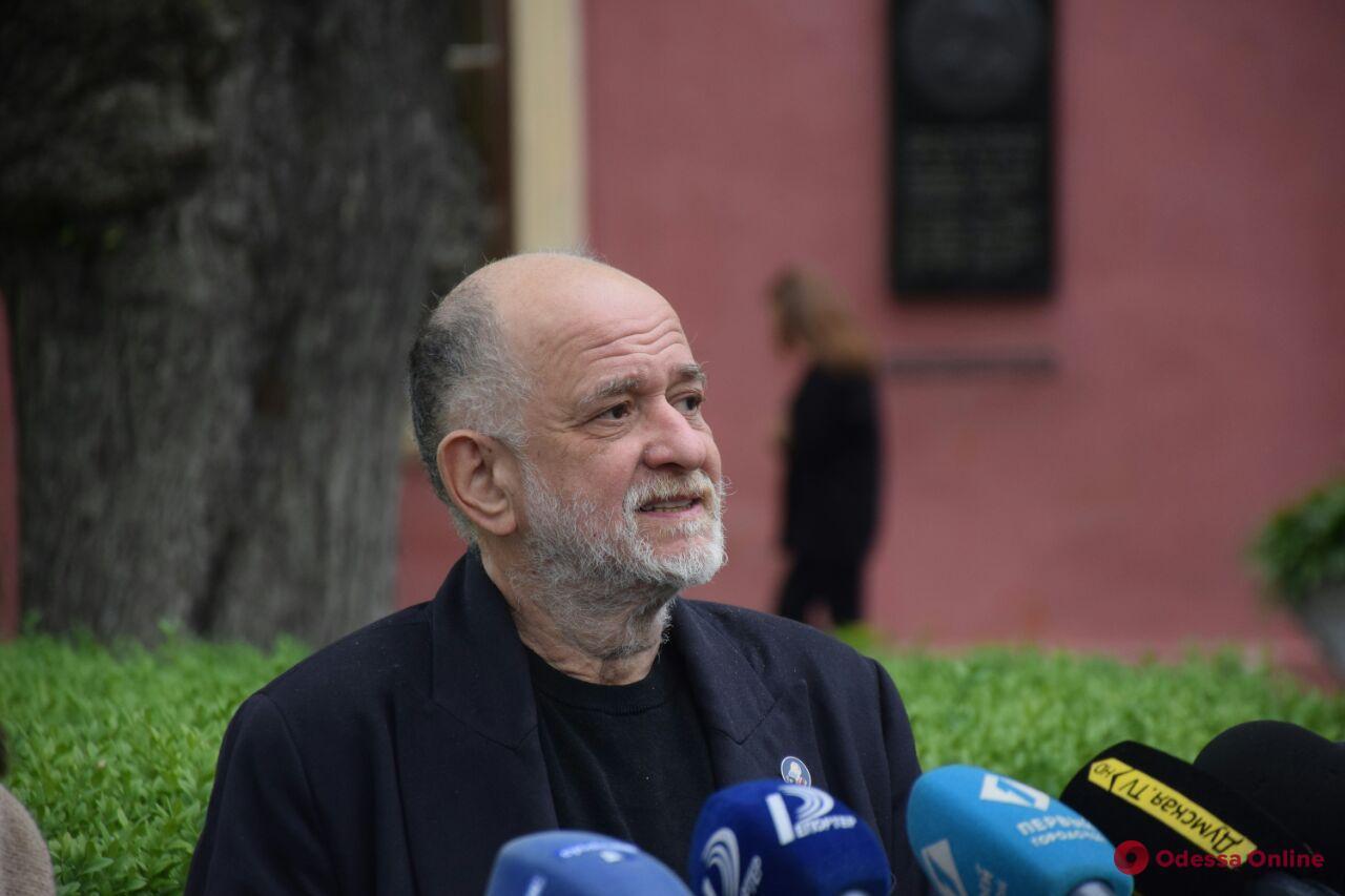 Депутаты трех фракций Одесского горсовета выступили в поддержку Ройтбурда