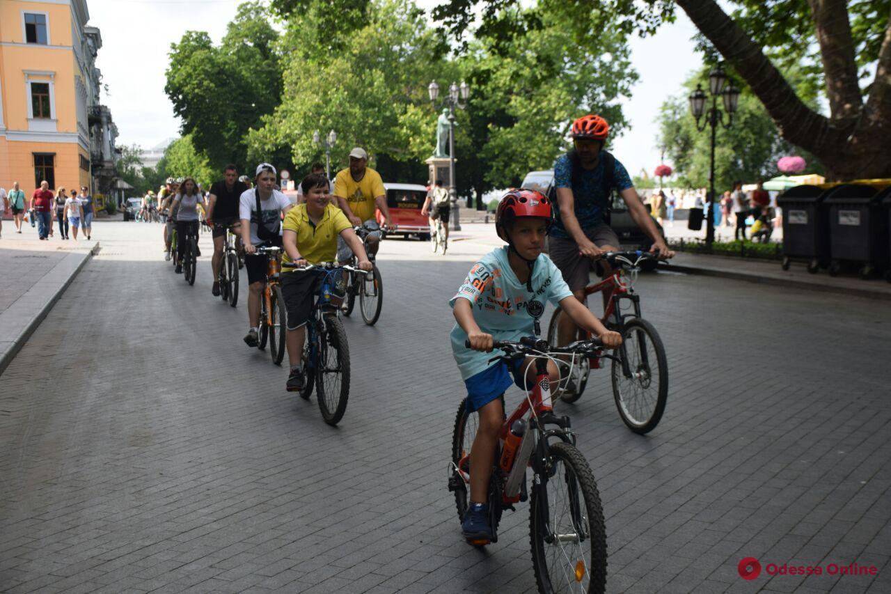Одесситы устроили велопробег по случаю Дня донора (фото)
