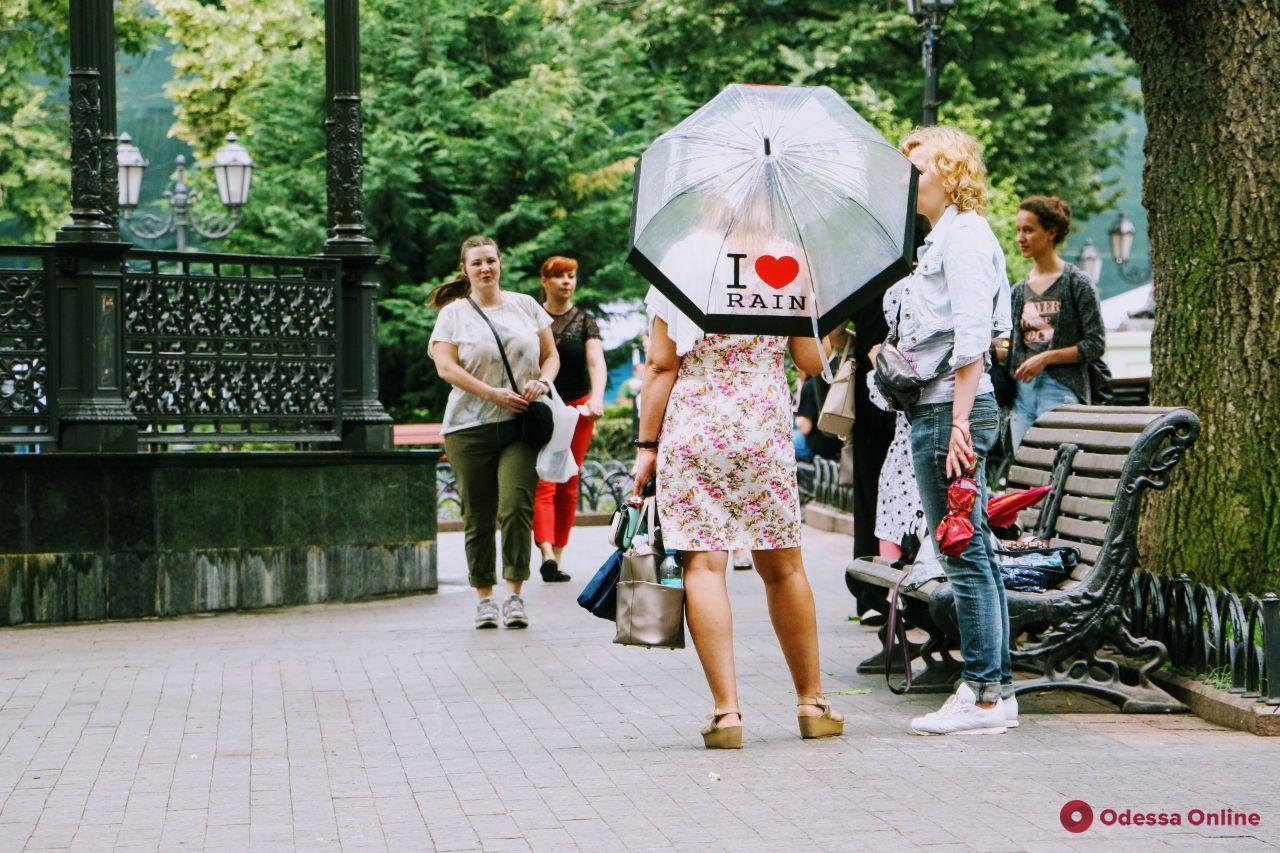 Завтра в Одессе снова ожидается дождь и гроза