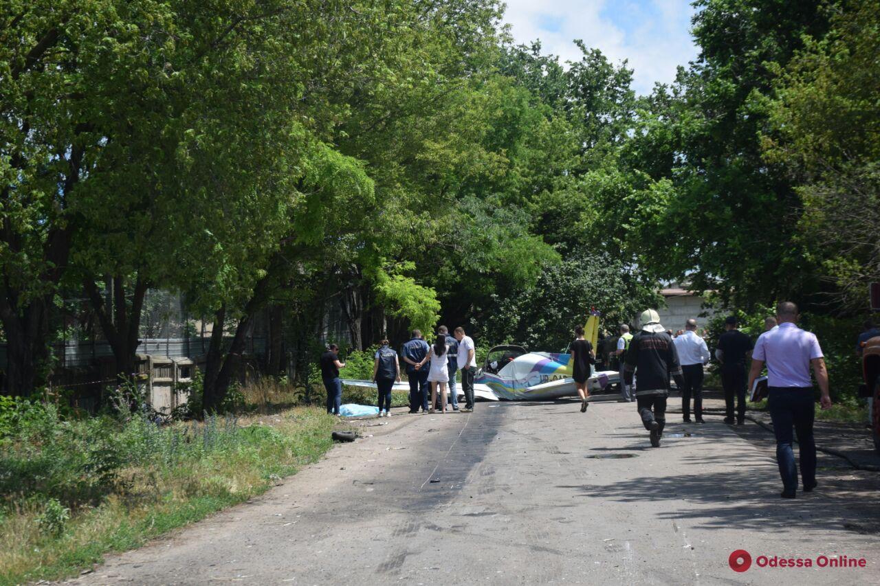 На Овидиопольской дороге упал легкомоторный самолет (обновляется)