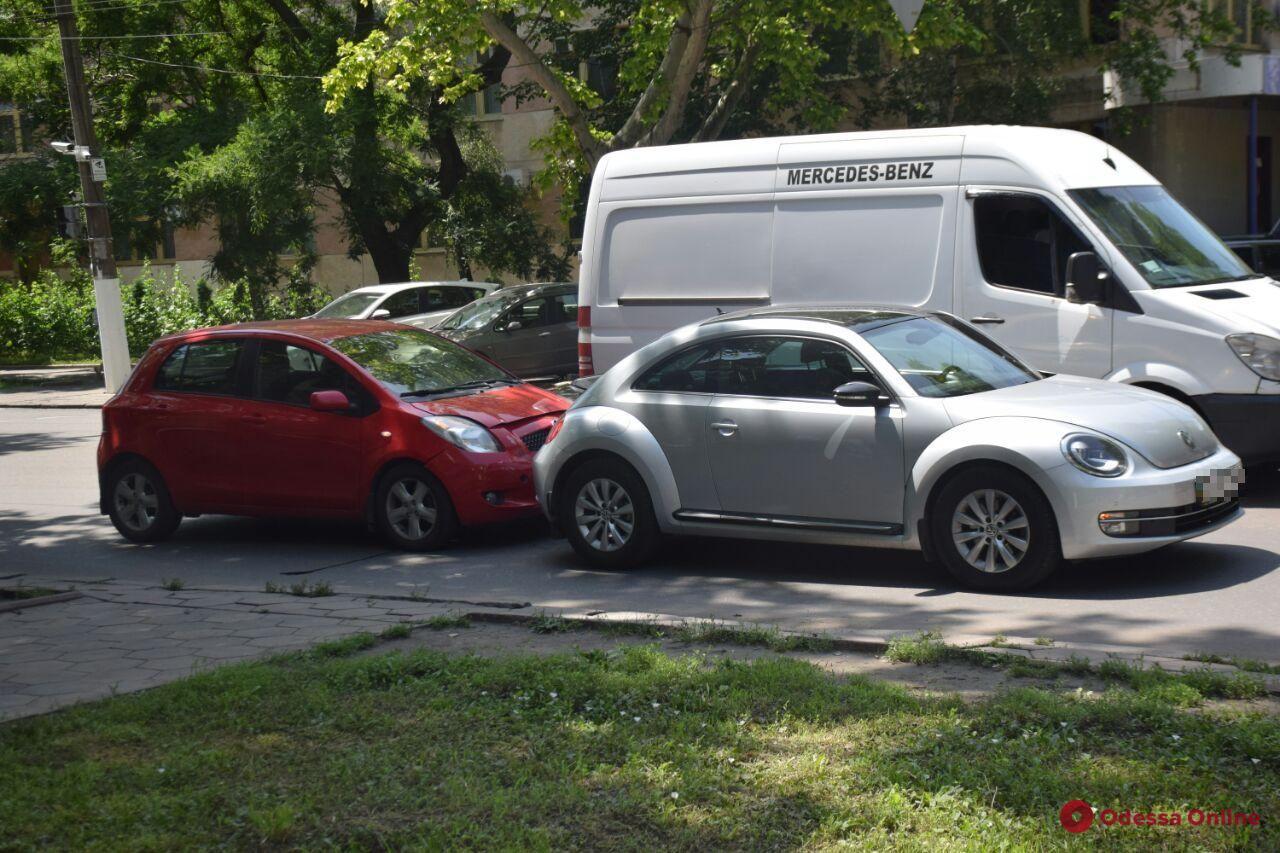 На проспекте Шевченко столкнулись «Жук» и «Тойота»
