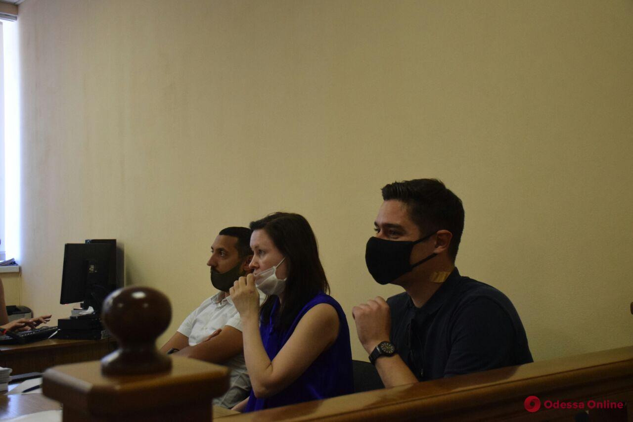 Покушение на Устименко: пострадавшего не хотели пускать на заседание из-за нарушения дресс-кода