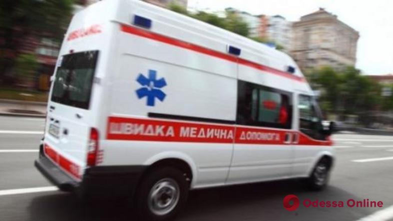 В Черноморске двухлетняя девочка выпала из окна шестого этажа