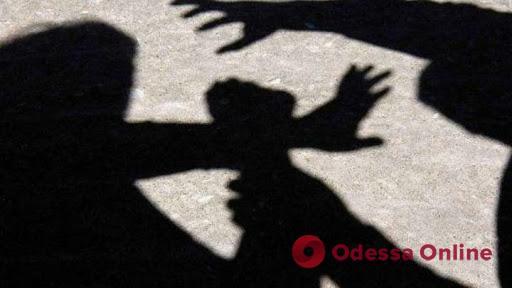 В Одессе двое подростков ограбили девушку