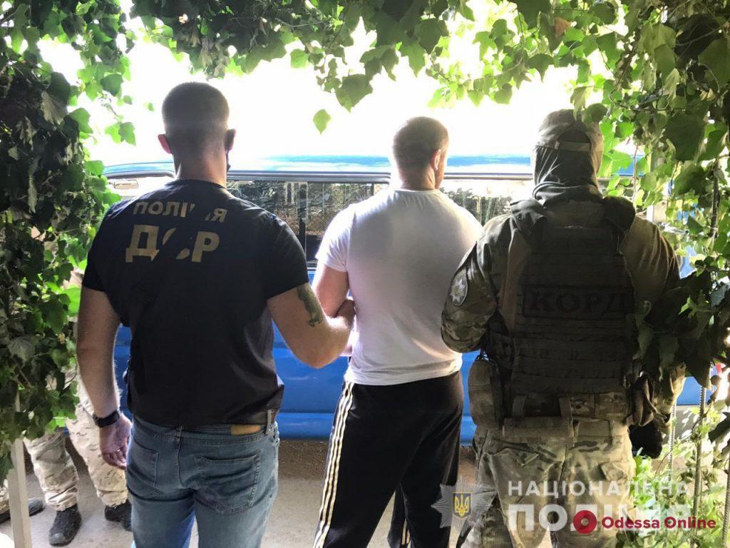 Одесская полиция задержала банду квартирных мошенников (фото и видео)