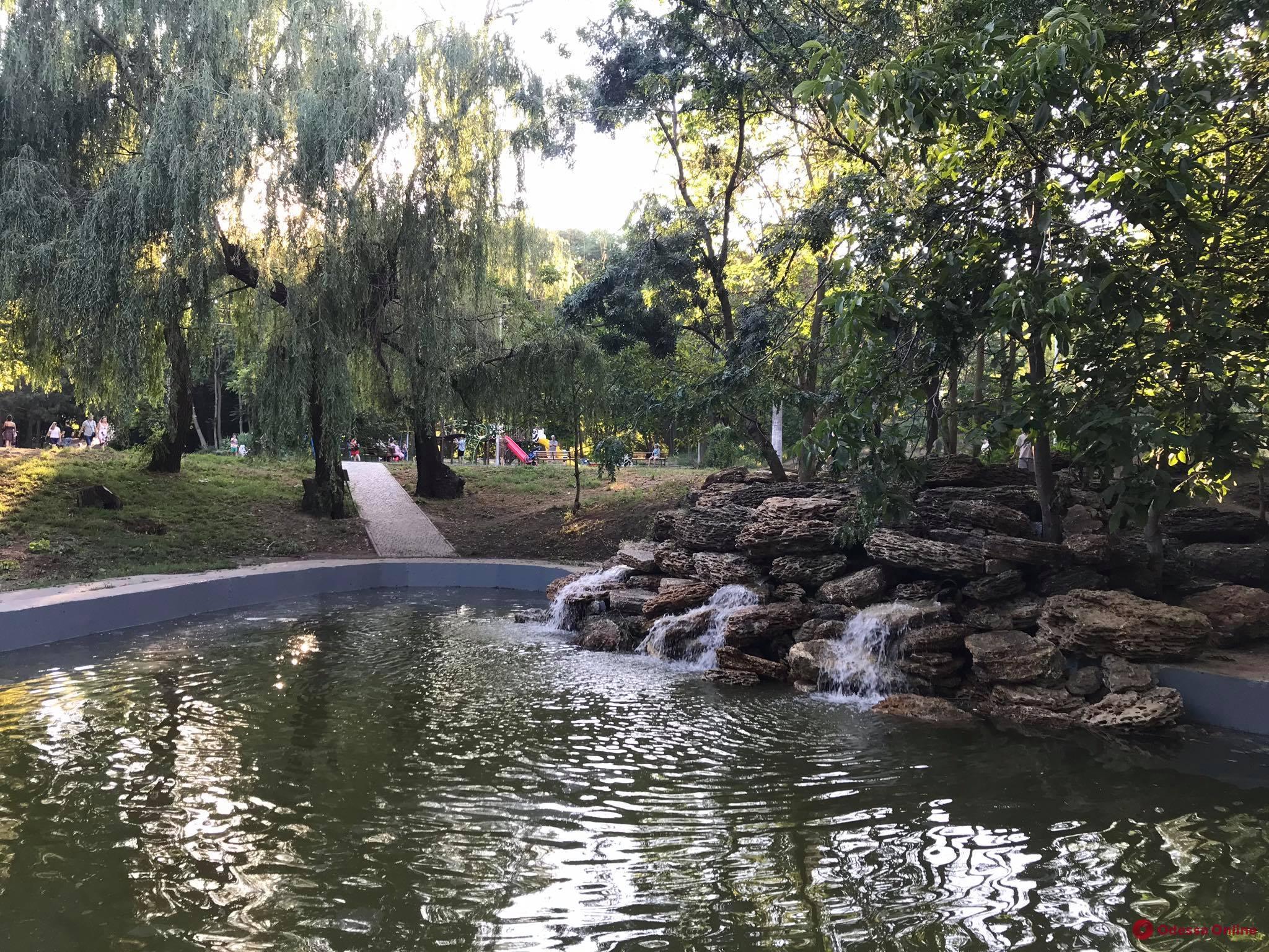 В парке Победы появился водяной грот