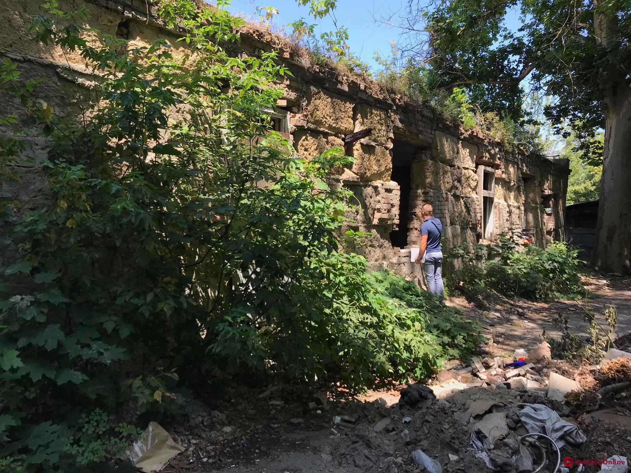 ГАСК проверил факт строительства на территории заброшенного детсада в переулке Каркашадзе