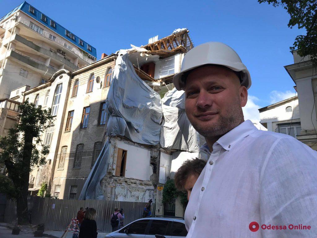 В Одессе идет подготовка к демонтажу аварийной стены дома на Ясной (фото)