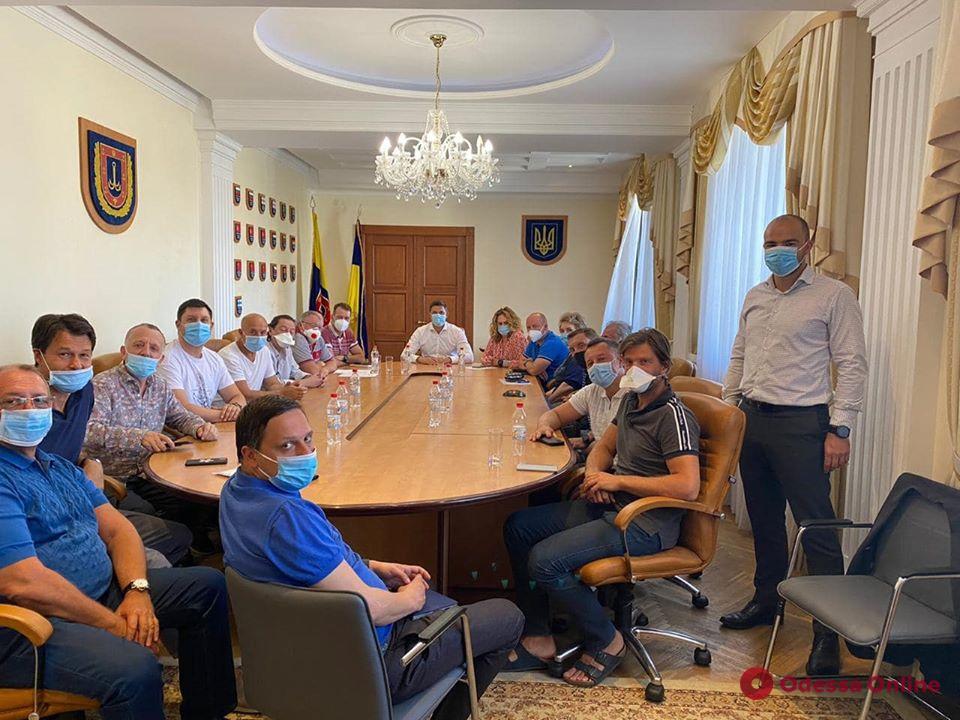 В Одессе могут разрешить работать клубам и ресторанам после 23.00
