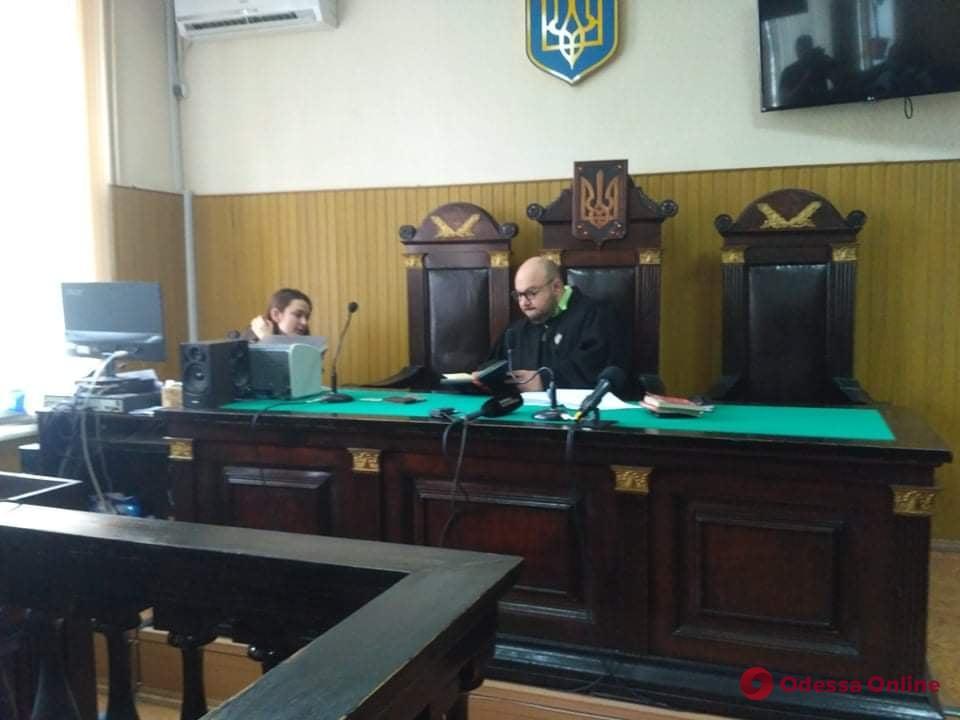 Подозреваемый в изнасиловании 17-летней девушки одесский экс-полицейский может выйти под залог