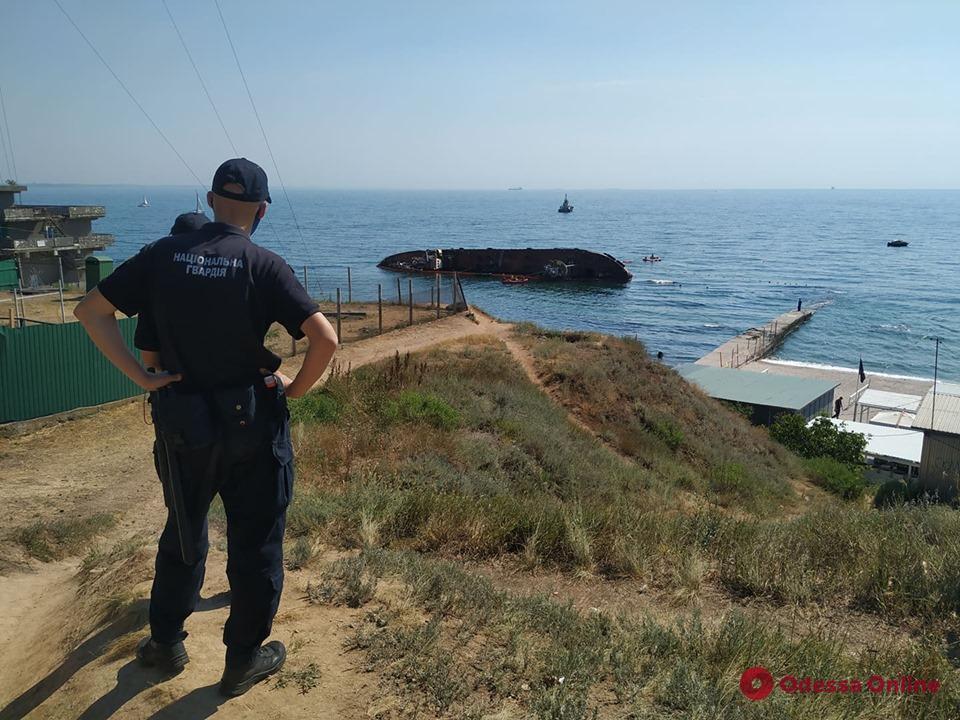 После неудачной вчерашней попытки танкер «Делфи» продолжат снимать с мели сегодня