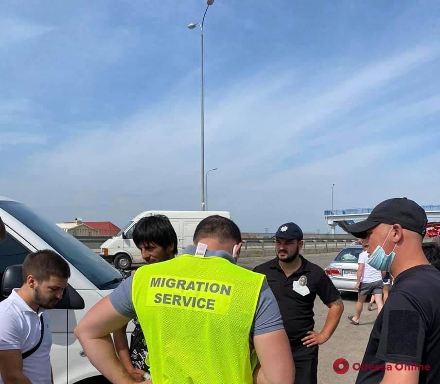 На трассе «Одесса-Киев» поймали нелегальных мигрантов