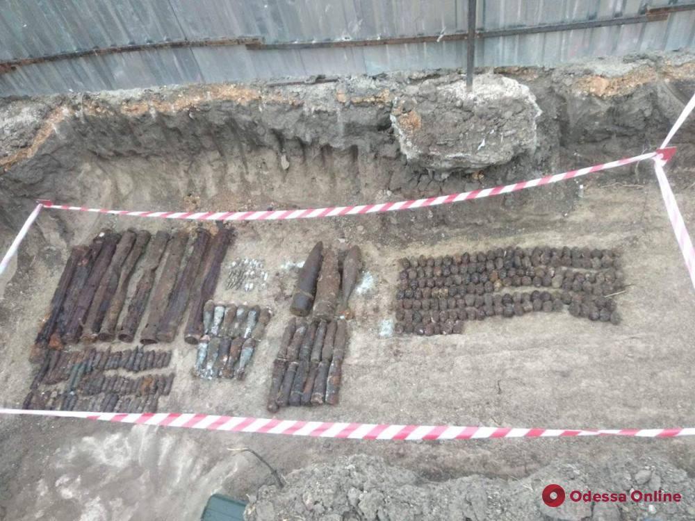 В Одессе на стройке нашли взрывоопасный арсенал Второй мировой