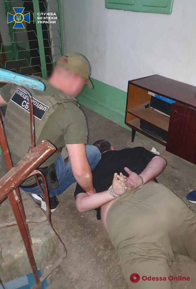 В Одессе СБУ задержала группу наркоторговцев (фото)