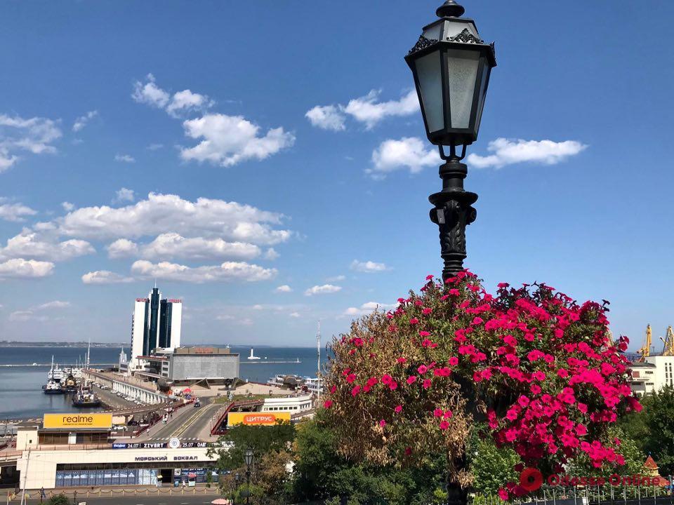 От заката до рассвета: в центре Одессы решили не отключать на ночь уличное освещение