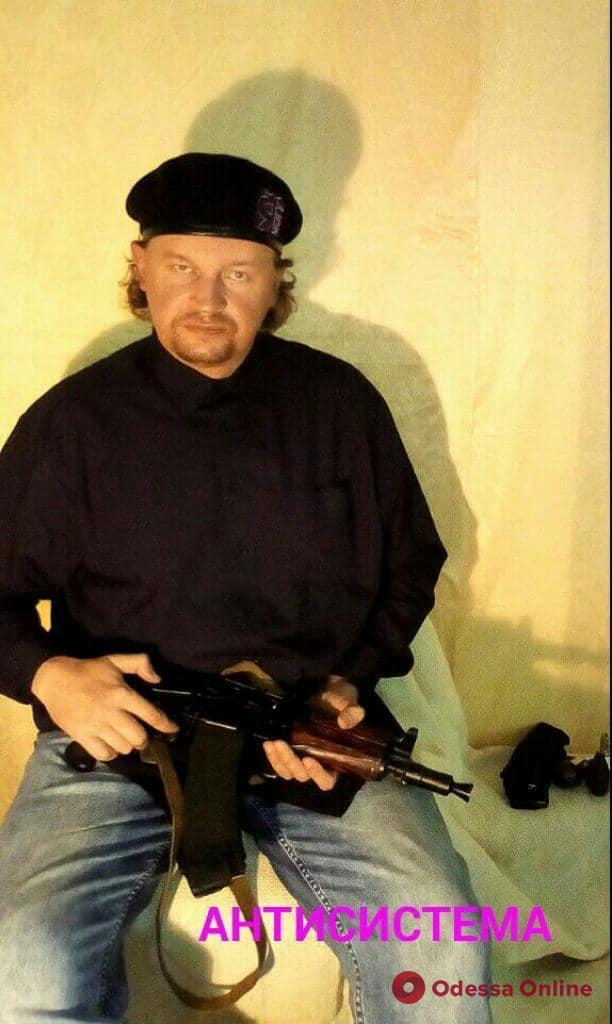 В Луцке вооруженный мужчина захватил автобус с заложниками (обновляется)